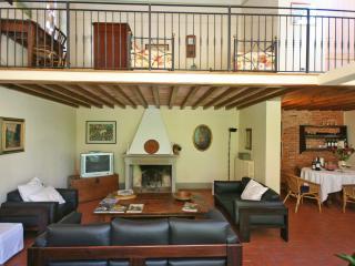 Orentano Italy Vacation Rentals - Home