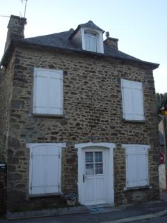 Charming cottage in Dinan near river (B008)