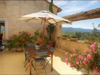 Cadenet France Vacation Rentals - Home