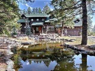A lovely pond fronts Saddle Mountain Lodge