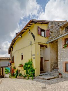 Umbria Accommodation for Large Group Near Spoleto - Il Villaggio Umbro