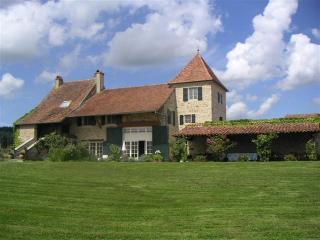 Macon France Vacation Rentals - Home