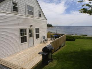 Hubbards Canada Vacation Rentals - Home