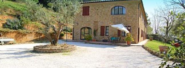 Riparbella Italy Vacation Rentals - Home