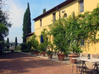 Lorenzana Italy Vacation Rentals - Villa