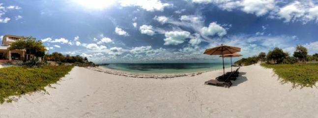 6BR Luxurious Casa de la Playa with Private Beach