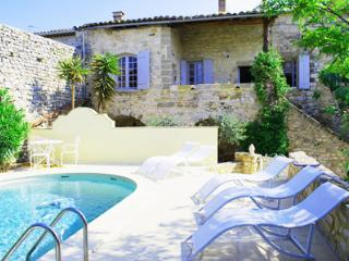 Nimes France Vacation Rentals - Home