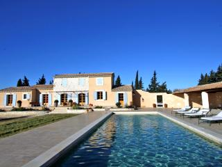 Chateaurenard France Vacation Rentals - Villa