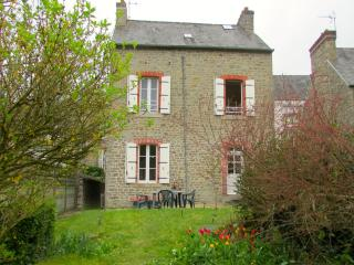 Dinan France Vacation Rentals - Home