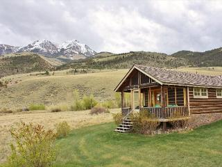 Emigrant Montana Vacation Rentals - Cabin