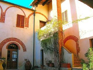 Casal di Pari Italy Vacation Rentals - Home