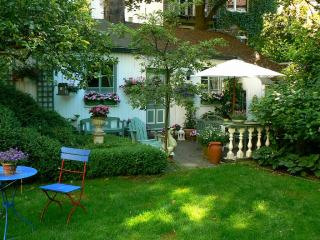 Vacation Apartment in Winterhude - 538 sqft, central, quiet, beautiful (# 3917) #3917