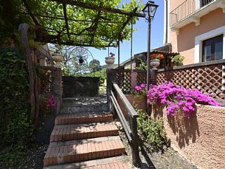 Viagrande Italy Vacation Rentals - Home