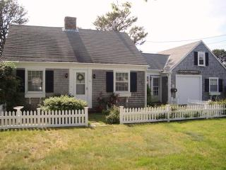 Ocean's Favorite welcomes you! - 54 Hiawatha Road Harwich Port Cape Cod New England Vacation Rentals