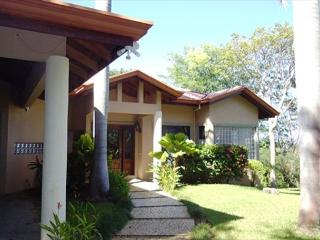 Welcome to Casa CarolThree bedrooms and three baths placed in beautiful surroundings!