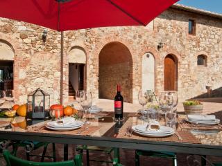 Quercegrossa Italy Vacation Rentals - Villa