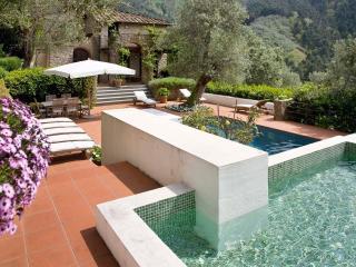 Nocchi Italy Vacation Rentals - Home