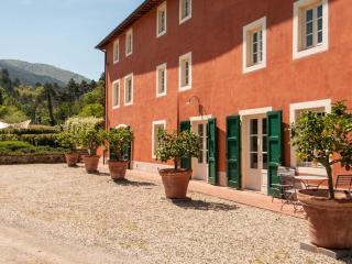 Guamo Italy Vacation Rentals - Villa