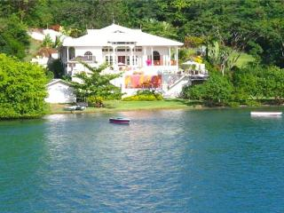 Waterfront Villa - Grenada