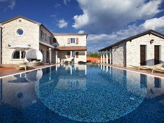 Luxury villa with pool, for rent, Cabrunici, Istria