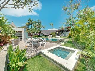 The Layar 4br - The villa