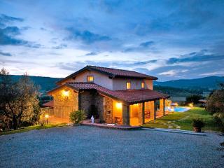 Torricella di Monte San Savino Italy Vacation Rentals - Home