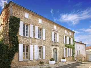 Saint-Pey-de-Castets France Vacation Rentals - Home