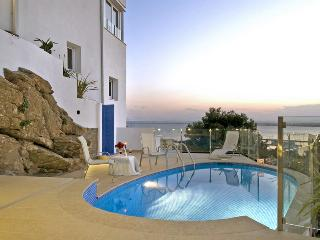 Roses Spain Vacation Rentals - Home