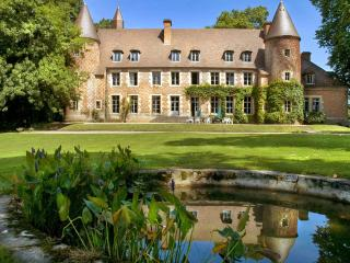 Paray-Le-Fresil France Vacation Rentals - Home