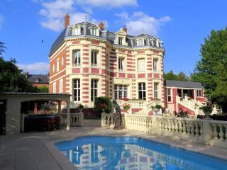 La Fere France Vacation Rentals - Home