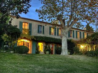 Istres France Vacation Rentals - Home