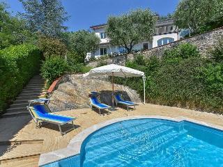 Piano di Mommio Italy Vacation Rentals - Villa