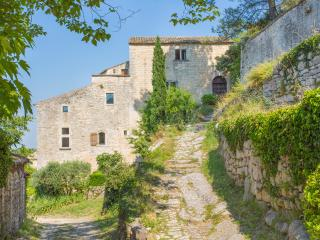 Mazan France Vacation Rentals - Home