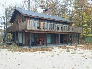 Manistee Michigan Vacation Rentals - Cottage