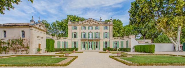 Sarrians France Vacation Rentals - Home