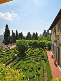 Tuscan Apartment in Historic Castle - Il Castello Cappella