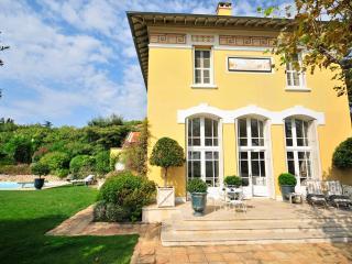 La Croix-Valmer France Vacation Rentals - Home