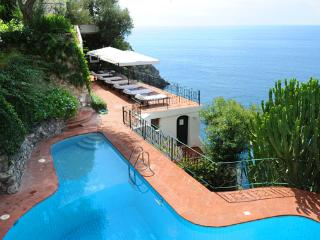 Villa Praia, swimming pool