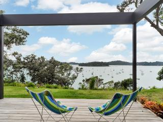 """Jamieson Bay - Spectacular Views - all that is """"perfect"""" about New Zealand"""