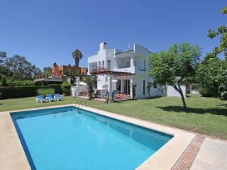 Villa 14 Bedrooms in the first floor with golfcourt view
