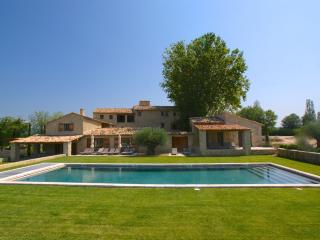 Menerbes France Vacation Rentals - Villa