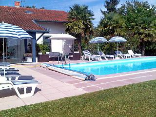 Urcuit France Vacation Rentals - Villa