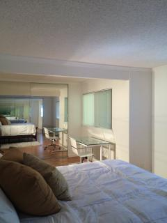 Furnished 1-Bedroom Condo at Mountain Blvd & Keller Ave Oakland