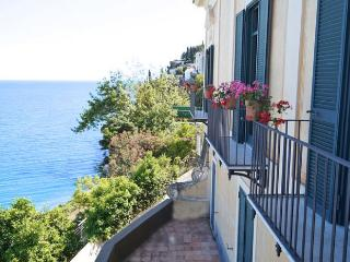 Dragonea Italy Vacation Rentals - Villa