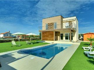 Valbandon Croatia Vacation Rentals - Villa