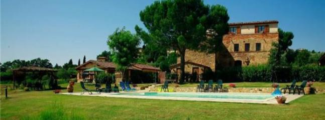 6 bedroom Villa in Lucignano, Tuscany, Italy : ref 2301315