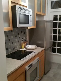 Furnished 1-Bedroom Condo at S 17th St & Latimer St Philadelphia