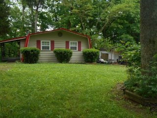 Bronston Kentucky Vacation Rentals - Cottage