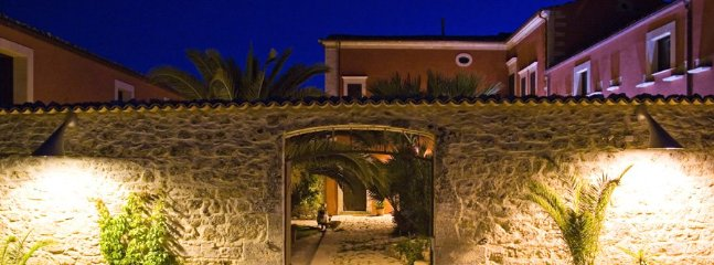 6 bedroom Villa in Ragusa, Ragusa Area, Sicily, Italy : ref 2230498