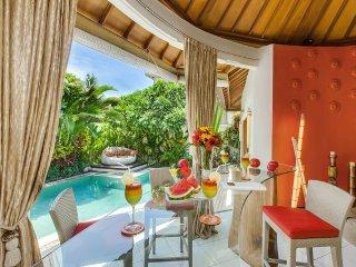 Welcome to villa Sun, vibrant and modern villa in center of Seminyak